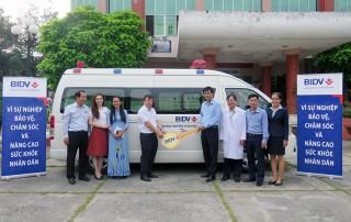 BIDV Chi nhánh Bến Tre tặng xe cứu thương cho Bệnh viện Nguyễn Đình Chiểu