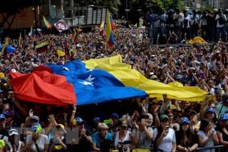 Colombia cấm nhập cảnh đối với Tổng thống Venezuela và hơn 200 cộng sự