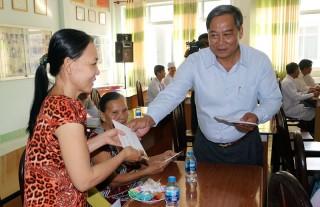 Phó chủ tịch UBND tỉnh Nguyễn Hữu Phước thăm, chúc Tết bệnh nhân