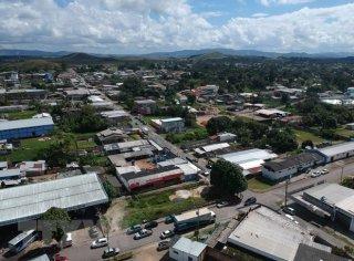 Venezuela đóng cửa các cửa khẩu biên giới với Colombia