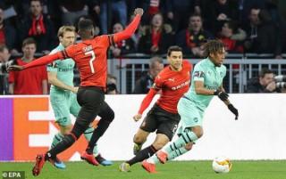 Lượt đi vòng 1/8 Europa League: Rennes đánh bại Arsenal 3-1