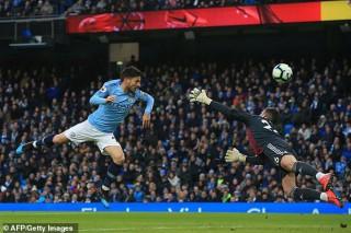 Vòng 30 giải Ngoại hạng Anh: Sterling lập cú hattrick, Man City chiến thắng Watford