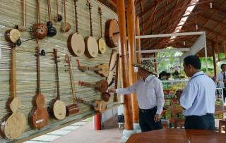 Lễ hội tôn vinh cây dừa quê hương