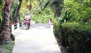 Phước Thạnh hoàn thành 2 cầu bê-tông nông thôn do nhân dân đóng góp