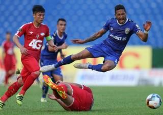 HLV Hàn Quốc uất ức vì bàn thắng thiếu fair-play của Bình Dương