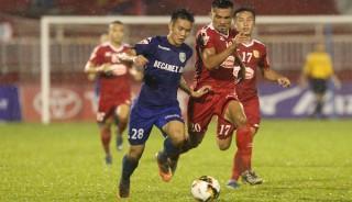 Vòng 5 V-League: TP.HCM thắng Bình Dương trên chấm phạt đền