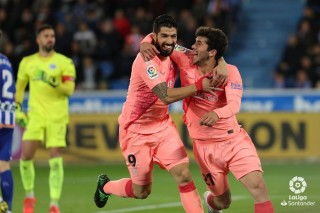 Vòng 34 La Liga: Barcelona đánh bại chủ nhà Alaves 2-0