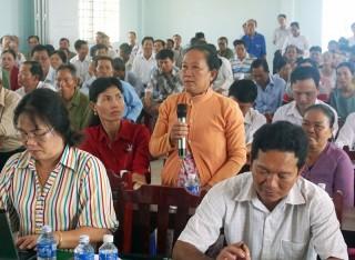 Đại biểu Quốc hội tiếp xúc cử tri huyện Thạnh Phú và Mỏ Cày Nam
