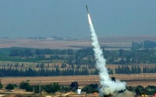 """Căng thẳng leo thang, Israel tuyên bố """"phong tỏa"""" Dải Gaza"""