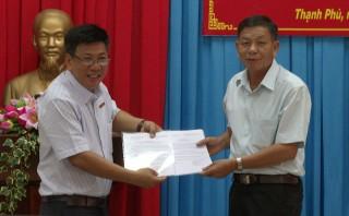 Công bố Quyết định chuyển giao và tiếp nhận tổ chức Đảng và đảng viên