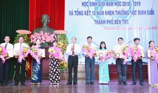 TP. Bến Tre tuyên dương 189 học sinh giỏi năm học 2018-2019