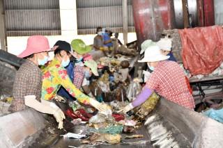 Kiểm tra tiến độ bãi rác Phú Hưng và Nhà máy xử lý rác Bến Tre