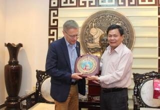 Phó chủ tịch UBND tỉnh Nguyễn Hữu Lập tiếp đoàn IFAD
