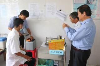 Giám sát công tác triển khai sử dụng vắc-xin SII