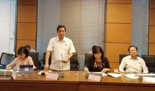 Đại biểu Quốc hội đơn vị tỉnh Bến Tre thảo luận việc phân bổ, sử dụng nguồn dự phòng kế hoạch đầu tư công trung hạn giai đoạn 2016 - 2020