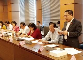 Đại biểu Quốc hội đơn vị tỉnh Bến Tre thảo luận việc gia nhập Công ước số 98 của Tổ chức Lao động quốc tế và Dự án Bộ luật Lao động (sửa đổi)
