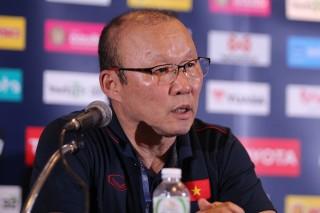 HLV tuyển Việt Nam và tuyển Thái Lan nói gì sau trận đấu?