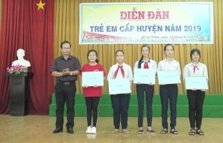 """175 trẻ em tham gia diễn đàn """"Trẻ em với các vấn đề về trẻ em"""""""