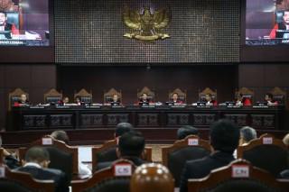 Đối thủ cáo buộc Tổng thống Indonesia dùng ngân sách để mua phiếu bầu
