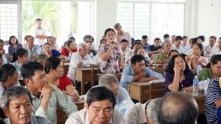 Đại biểu Quốc hội tiếp xúc cử tri tại huyện Giồng Trôm và Ba Tri