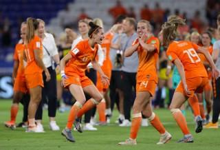 Bán kết World Cup 2019:  Hà Lan hạ Thụy Điển vào chung kết