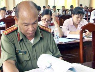 Châu Thành tặng giấy khen cho 12 tập thể, cá nhân trong phong trào bảo vệ an ninh Tổ quốc