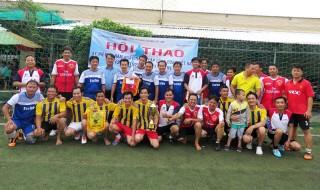 Trường Cao đẳng Đồng Khởi tổ chức giao lưu bóng đá