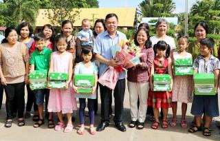 Bí thư Tỉnh ủy Võ Thành Hạo thăm Làng Trẻ em SOS