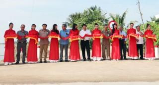 Khánh thành đưa vào sử dụng Hồ chứa nước ngọt huyện Ba Tri