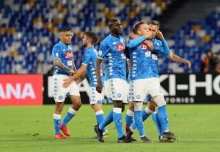 Hạ Marseille, Napoli chạy đà thành công trước thềm mùa giải mới