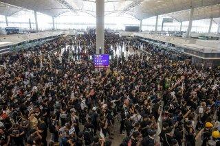Sân bay Hong Kong hủy tất cả các chuyến bay do biểu tình