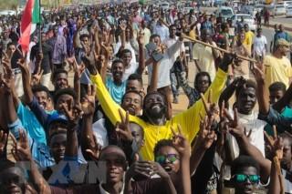 Hội đồng Quân sự và phe đối lập ở Sudan ký thỏa thuận chuyển tiếp