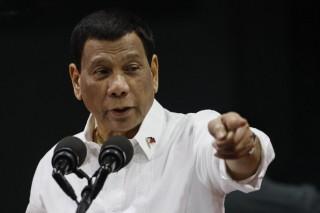 Tổng thống Philippines thể hiện lập trường cứng rắn với Trung Quốc