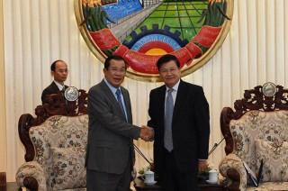 Thủ tướng Campuchia-Lào điện đàm về việc rút quân khỏi vùng biên giới