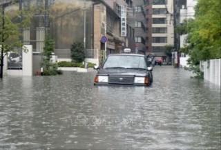Nhật Bản ban bố cảnh báo cao nhất nguy cơ lũ lụt và lở đất tại miền Tây