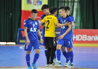 Thái Sơn Nam lên ngôi vô địch