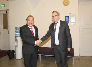 Phó Thủ tướng Thường trực hội đàm với quyền Phó Thủ tướng Phần Lan