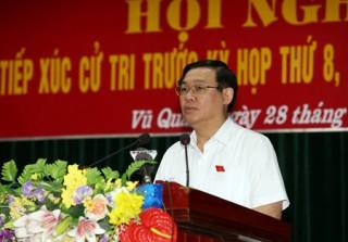 Phó Thủ tướng Vương Đình Huệ tiếp xúc cử tri trước kỳ họp Quốc hội