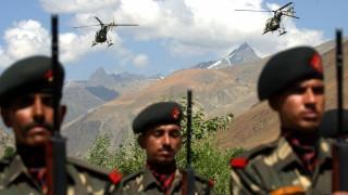 Ấn Độ tập trận quân sự gần biên giới với Trung Quốc