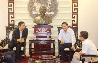 Phó Chủ tịch UBND tỉnh Nguyễn Hữu Lập tiếp đoàn công tác Bộ Tài nguyên Trung Quốc