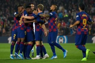 Barcelona đại thắng đòi lại ngôi đầu bảng từ tay Granada