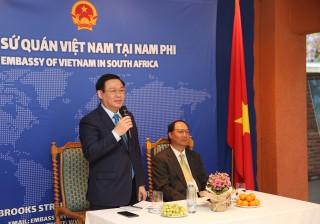 Phó Thủ tướng Vương Đình Huệ thăm Sứ quán Việt Nam tại Nam Phi