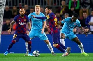 Cúp C1:  Barcelona và Slavia Prague bất phân thắng bại