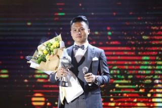 Quang Hải và HLV Park Hang Seo nhận giải hay nhất Đông Nam Á