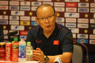 HLV Van Marwijk và HLV Park Hang Seo  nói gì trước trận đấu?