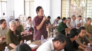 Lãnh đạo huyện Giồng Trôm đối thoại trực tiếp với công dân