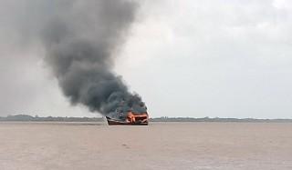 Cháy 3 tàu cá đang neo đậu thiệt hại gần 12 tỷ đồng