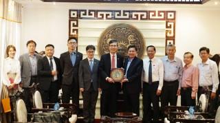 Tổng lãnh sự Hàn Quốc tại TP. Hồ Chí Minh Lim Jae-hoon làm việc tại tỉnh