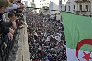 Bầu cử tổng thống Algeria - Bài toán khó