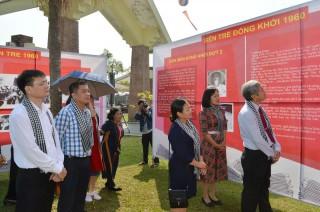 """Chuẩn bị trưng bày, triển lãm """"Phong trào Đồng khởi năm 1960"""""""